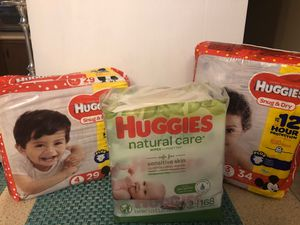 Huggies Diapers Size 3 and 4 and baby wipes (Only 25 dollars) for Sale in Providence, RI