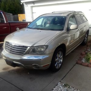 Gold 2006 4 Door Chrysler Pacifica Limited for Sale in Charlotte, NC