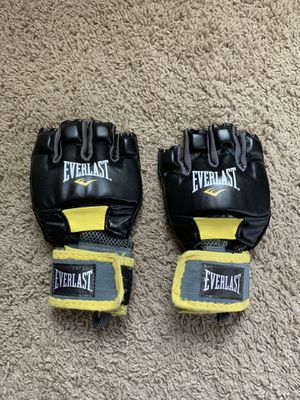 MMA boxing gloves for Sale in Saint Johns, FL