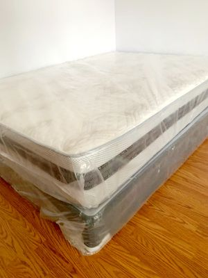 NEW QUEEN MATTRESS AND BOX SPRING INCLUDED for Sale in West Palm Beach, FL