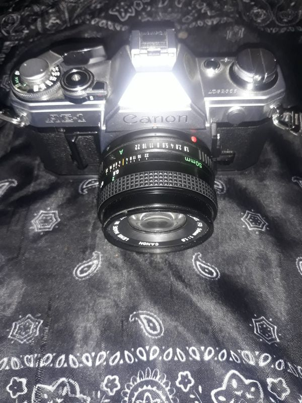 Canon AE-1 vintage SLR 35mm film camera | Canon Lens FD 50mm 1:1.8