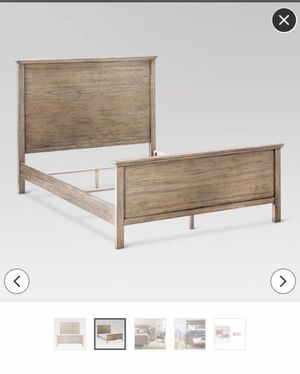 Threshold guilford queen bed frame for Sale in Heber, CA