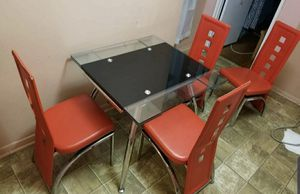 Very Nice Glass Kitchen Table With 4 Chairs .. Chairs Have Damages .. Delivery Available !! for Sale in Brooklyn, NY