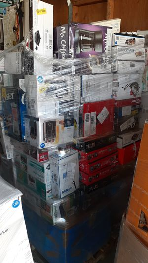 Appliances outdoor blowers coffee makers crock pots and other items Walmart merchandise for Sale in Bakersfield, CA