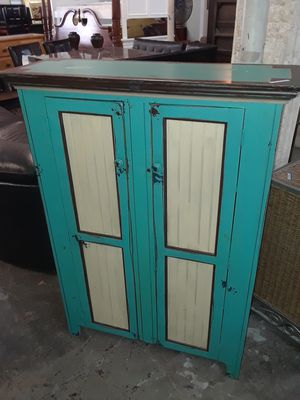 cabinet with shelfs for Sale in Fort Lauderdale, FL
