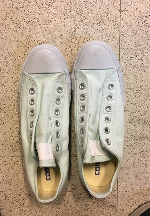 Low cut converse size 7 women 5 men for Sale in Baltimore, MD