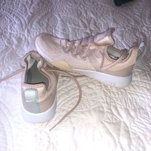 7.5 Rose Gold Nike Shoes for Sale in Kirkland, WA