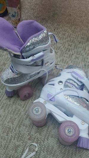 Brand new never used size 10/11 purple glitter roller skates for Sale in Westerville, OH