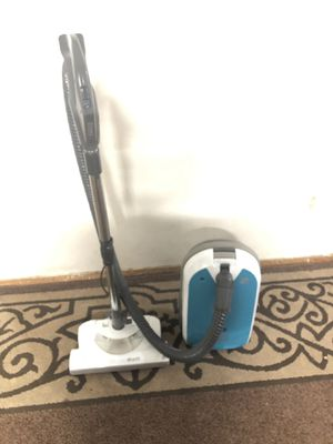 Kenmore vacuum cleaner for Sale in Everett, WA