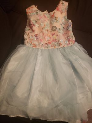 Beautiful Trulle Dress for Sale in Stone Mountain, GA