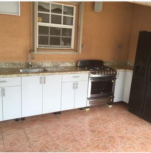 Gabinetes de cosina for Sale in Hialeah, FL
