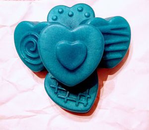 Melt & Pour Heart Soaps 💕 for Sale in Independence, MO