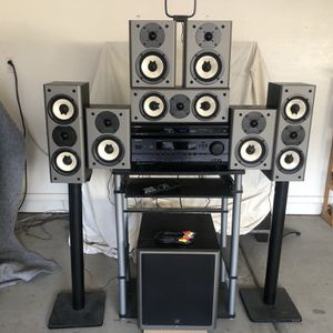 Onkyo Complete 7.1 THX 1000 Watts Home Theater Surround System w/ Bluetooth Adapter & remote for Sale in Phoenix, AZ
