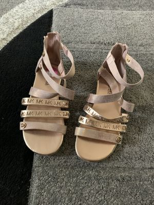 Michael kors sandal for girls size 11 for Sale in Dublin, OH