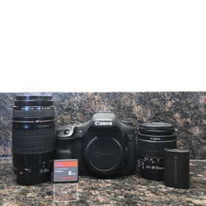 Canon EOS 7D DSLR Camera Bundle for Sale in Lancaster, CA