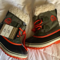 Toddler Snow Boots for Sale in Los Angeles,  CA