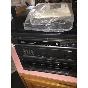 Magnavox am/FM cassette vinyl stereo for Sale in Fort Wayne, IN