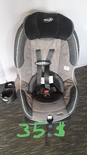 Car seat Evenflo with cup holder, very clean. for Sale in Riverside, CA