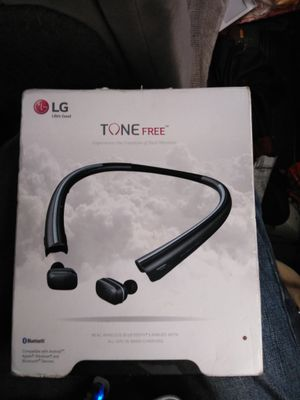 WIRELESS BLUETOOTH headphones for Sale in Puyallup, WA