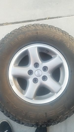 XJ TJ factory wheels and tires Cherokee for Sale in Peoria, AZ