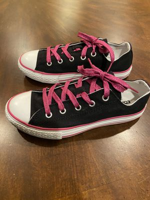 Size 4 black with pink lace Converse NEW for Sale in Goodyear, AZ