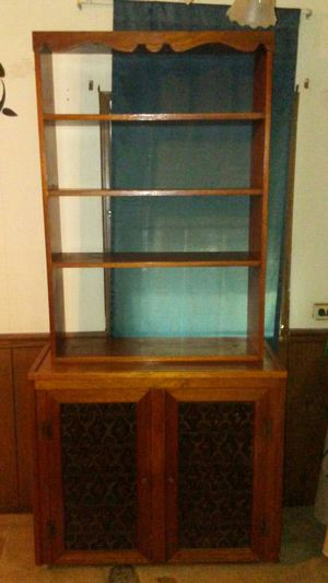 Cabinet w/ shelves and storage for Sale in Edwardsburg, MI