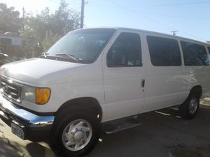 Van econoline 2005 for Sale in Lancaster, CA