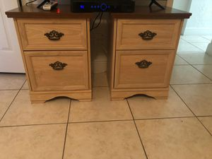 Dresser, mirror, 2 nightstand and Queen Headboard. for Sale in Miami Shores, FL