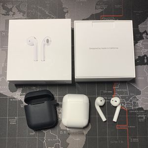 Apple Airpods 2nd Generation with charging case for Sale in Jacksonville, FL