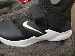Nike shoes ( like New for Sale in Oxnard, CA
