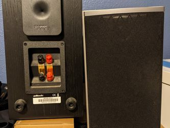 Polk Audio Bookshelf Speakers And Center Channel for Sale in Vancouver,  WA
