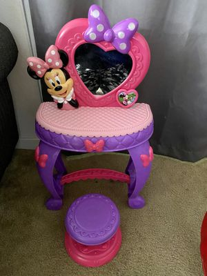 Minnie Mouse toy vanity with stool. In good condition. Must be able to pick up. for Sale in Riverside, CA