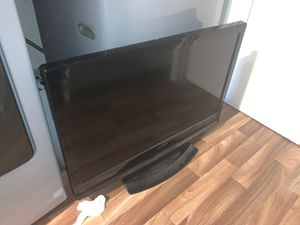 32 inch sylvania tv for Sale in Portland, OR
