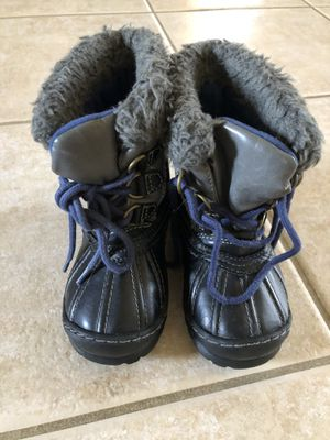 Snow boots - toddler size 8 Baby Gap for Sale in Chandler, AZ