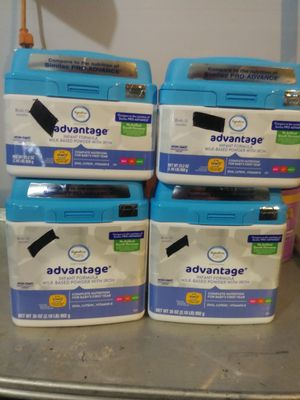 🍼Assorted Sizes of Advantage ® Infant Formula Powder in 39oz and 23.2oz Containers🍼 for Sale in Auburn, WA