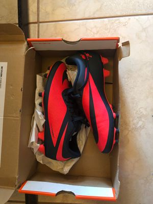 Nike soccer cleats size 6.5 womens for Sale in Venice, FL