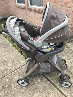 Graco SnugRide 30 stroller and carseat w/base for Sale in New Braunfels, TX