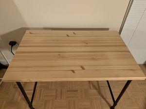 Desk for Sale in Jersey City, NJ