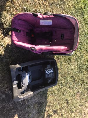 Car seat and matching stroller for Sale in Winton, CA
