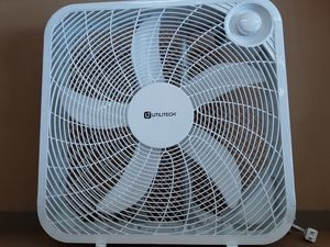 20 inch 3 speeds box fan energy efficiency high volume air movement brand new for Sale in Bell Gardens, CA