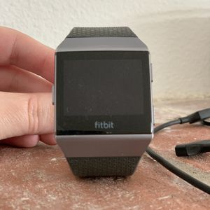 Ionic Fitbit for Sale in Troutdale, OR