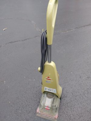 Bissell carpet Shampooer/cleaner for Sale in Fort Myers, FL
