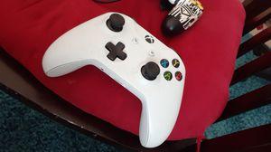 Xbox controller for Sale in Costa Mesa, CA
