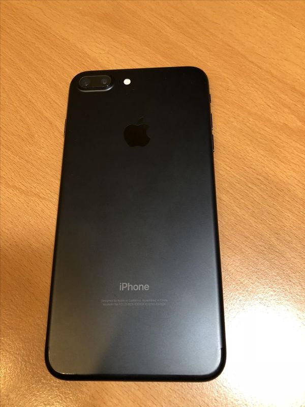 iPhone 7 plus - factory unlocked with box and accessories -30 days warranty