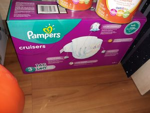 Pampers cruisers diapers size 3 for Sale in Mesa, AZ