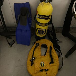 Scuba Tank And Fins for Sale in Hartford, CT