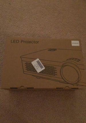 RAGU z720 projector 3200 lumens for Sale in Manassas Park, VA