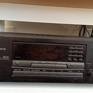 Onkyo Receiver With TBI Speakers And Stands for Sale in Rockville, MD