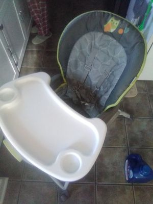 Ingenuity high chair. Well used but in good shape for Sale in Eau Claire, WI