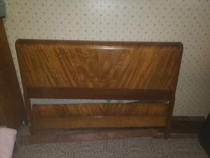 Antique full size bed for Sale in Los Angeles, CA